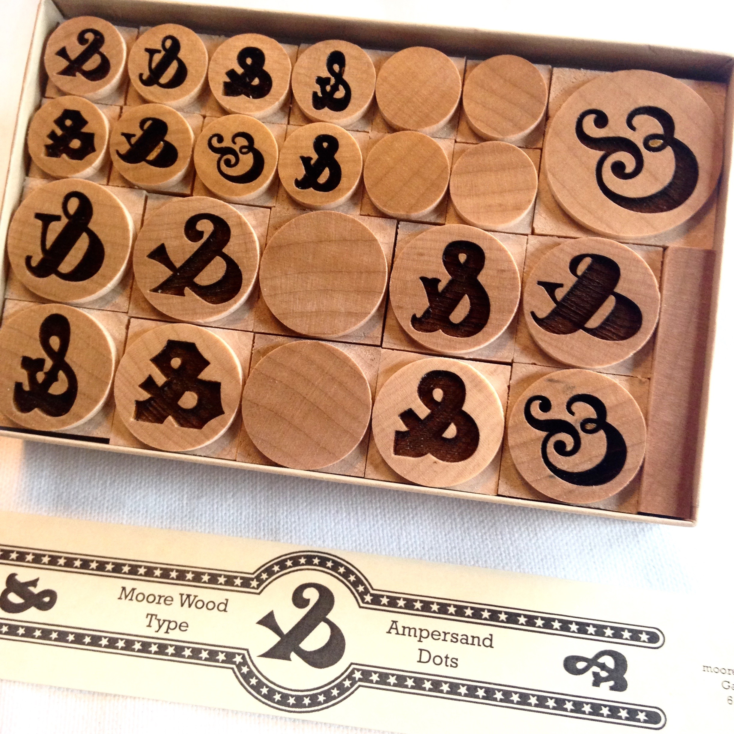 box-of-ampersand-dots